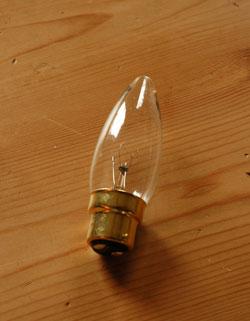 k-1676-f アンティークフロアランプ(ピンク布シェード×木製スタンド)の電球