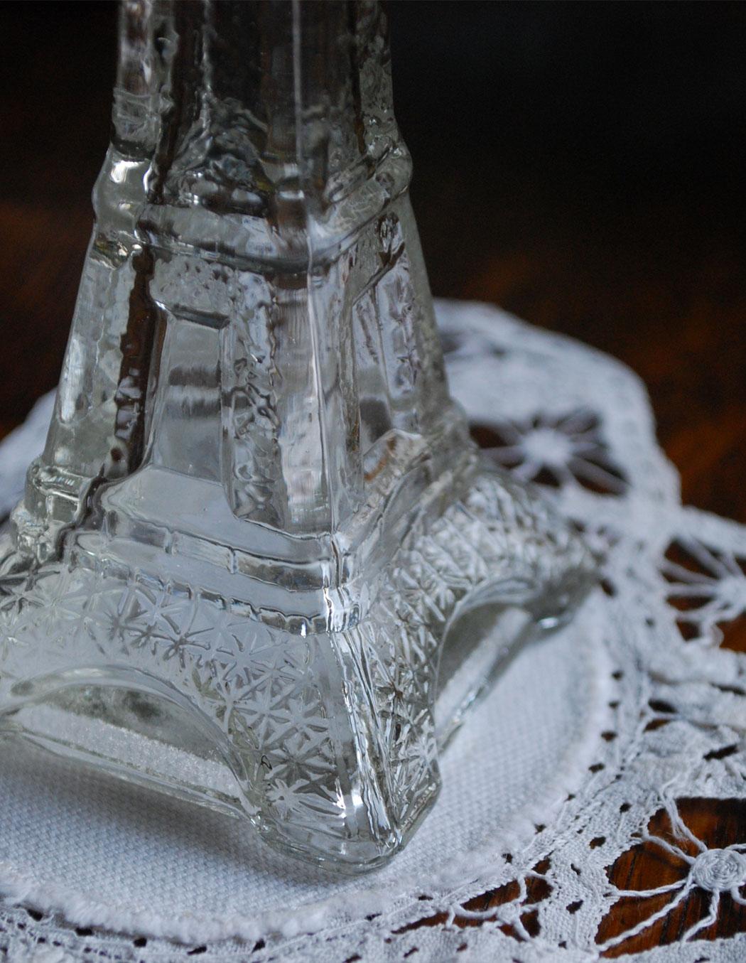 n14-004 エッフェル塔ガラスボトル